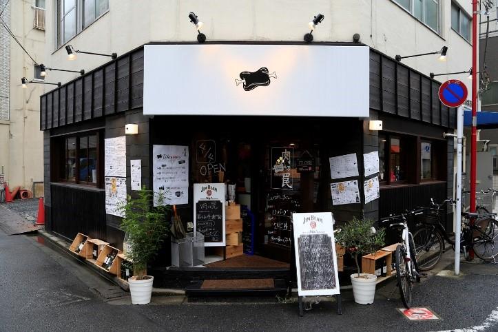 居抜きを活かしてお金と時間をかけずに開店<br>和風からスッキリ明るいバルへ見事に変身!