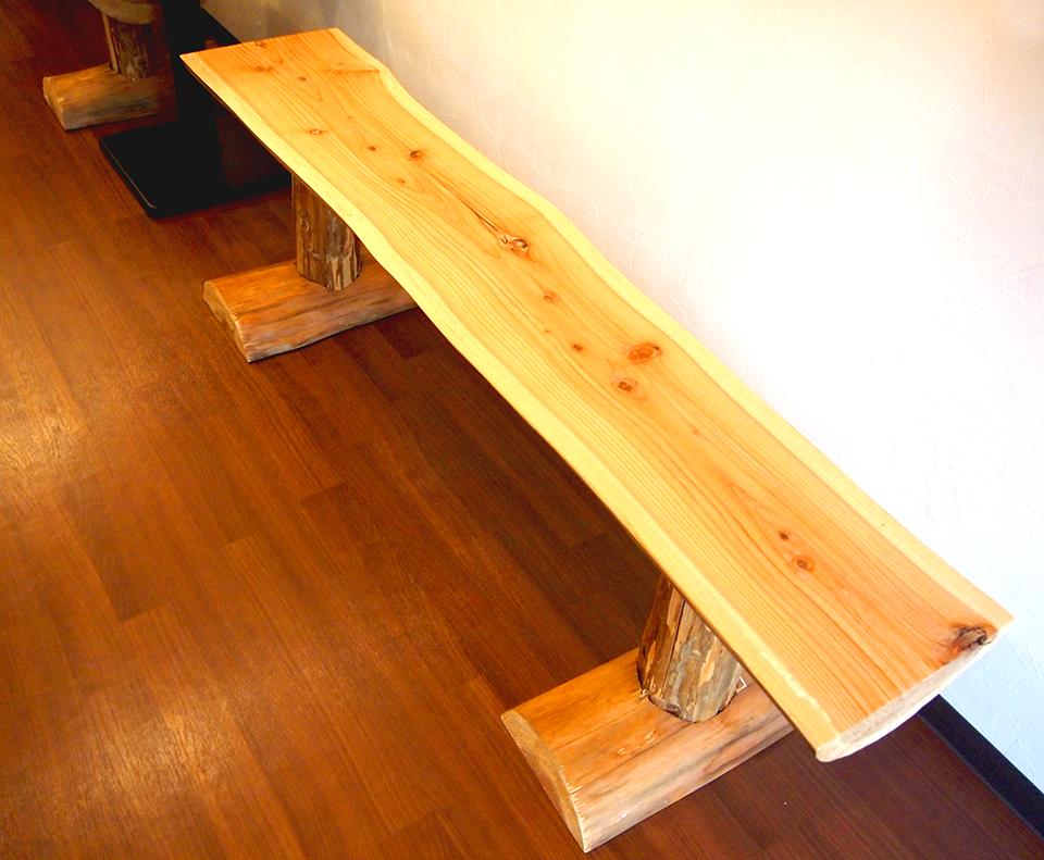 手作りのベンチ