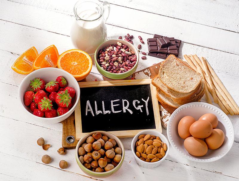 食品アレルギーの表示義務と表示方法|飲食店での適切な対処を学ぼう