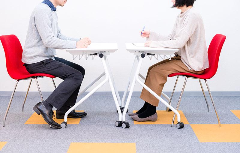 店長とアルバイトの恋は危険!職場への影響と注意点