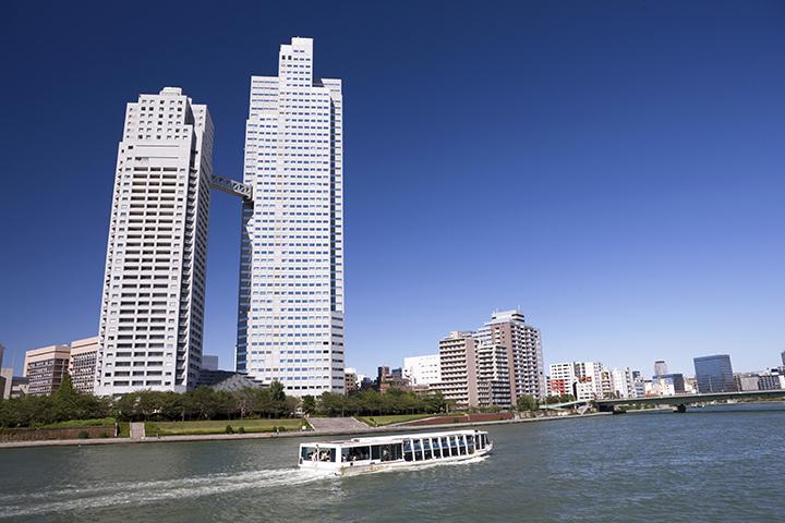 隅田川河口と高層ビル