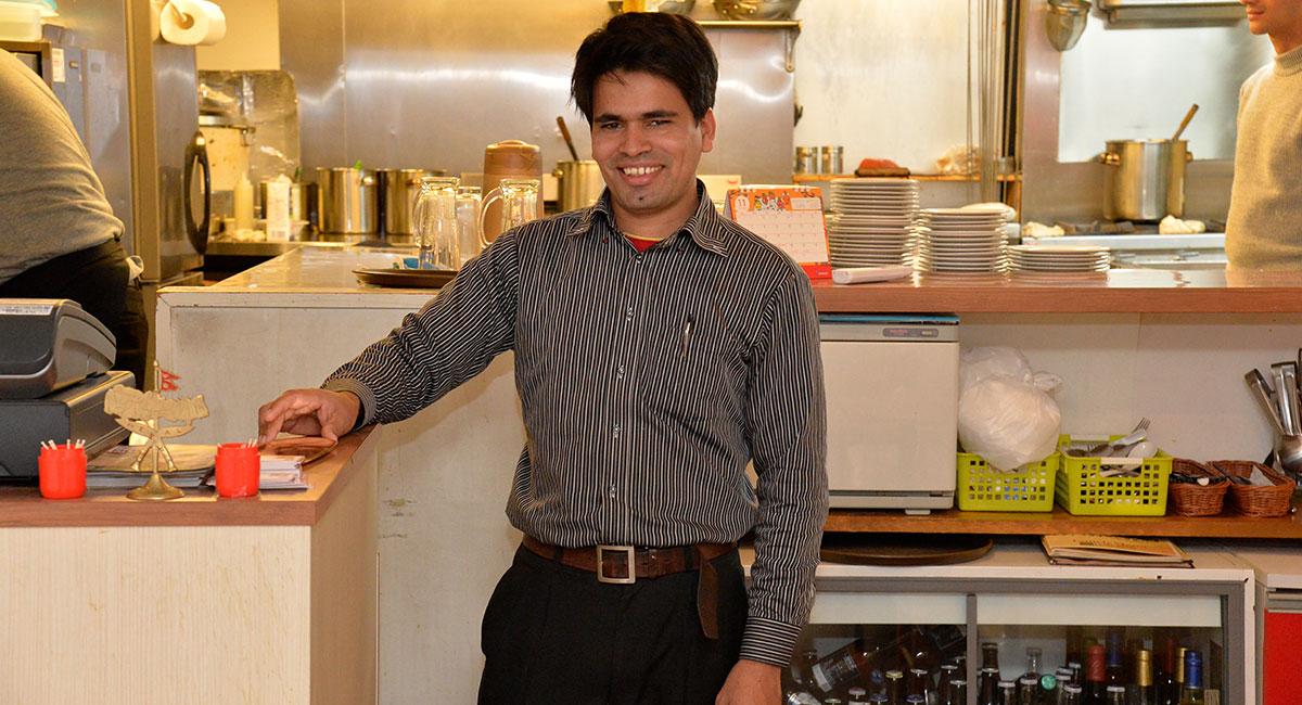 お得なランチセットが人気の多国籍料理店<br>周辺にはない団体利用できる広さが功を奏した