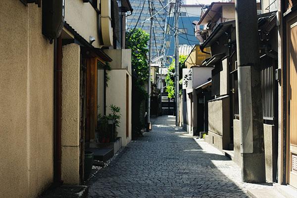 牛込神楽坂(新宿区)で居抜きで飲食店を開業するための街情報